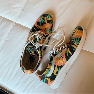 VANS | RARE Ultra Cush ISO Black Tropical Floral